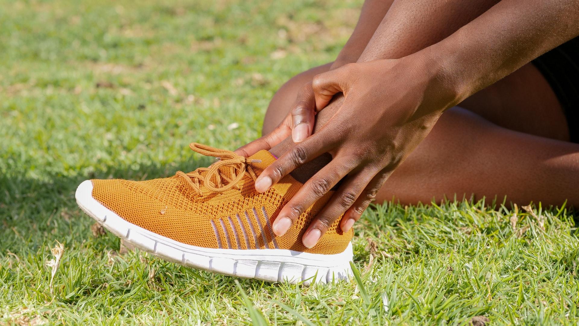 Umgeknickt schwellung fuß schmerzen keine aber Fuß umgeknickt,