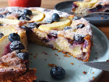 Appleberrycake